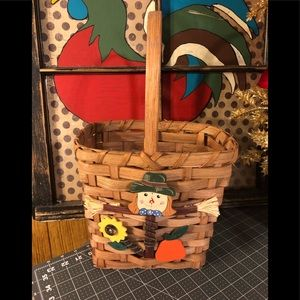 Adorable basket 10 in tall without handle